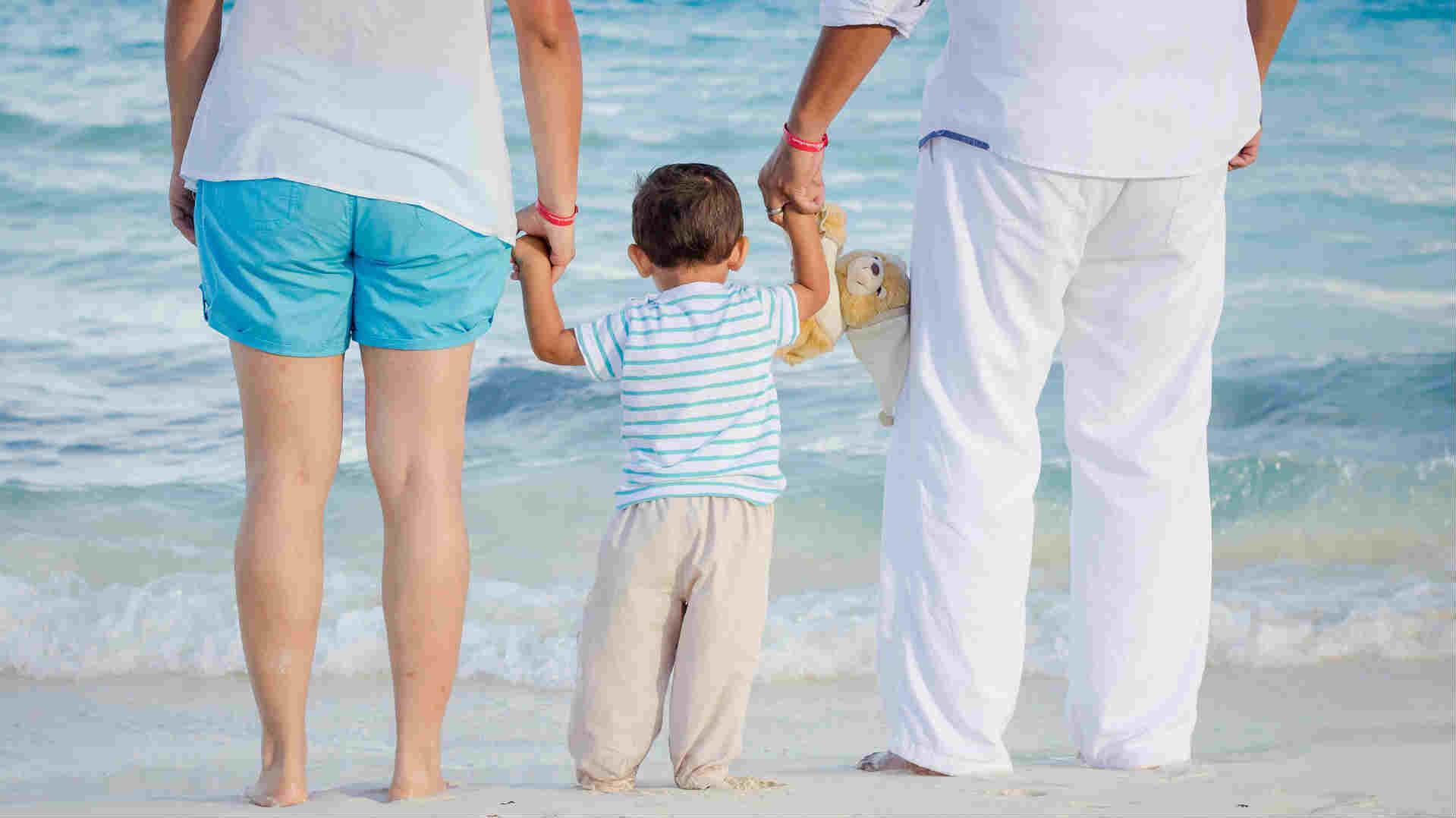 mare,bambino,famiglia,padre,madre