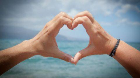 un cuore nelle mani