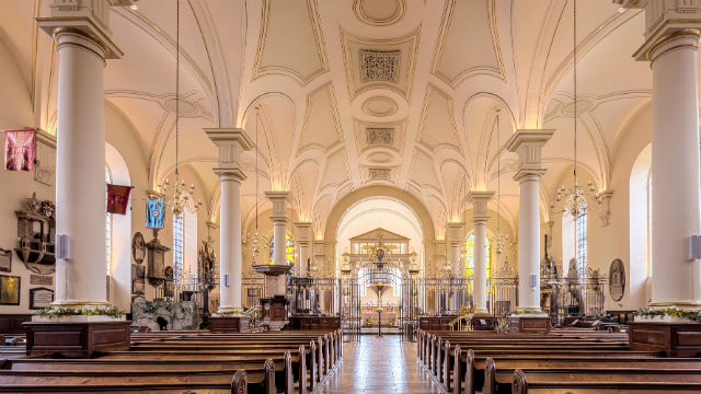 una chiesa grande
