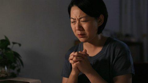 una cristiana pregare a Dio