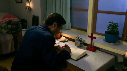 Un cristiano scrive un sermone sul discernimento tra il vero Cristo da quelli falsi